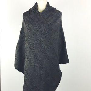 NEW Cocogio Sweater Poncho